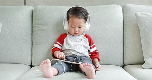 乳児の4人に1人がスマホを使う「ポスト・デジタルネイティブ」とは? ~電通 子ども調査のユニークさと有用性・前編~